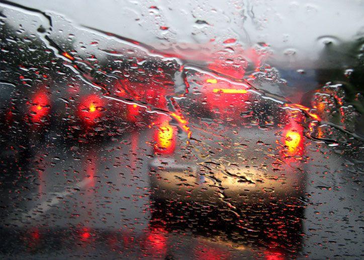 Feuchtigkeit im Auto ist widerlich! Die Folgen der Nässe gefährden Gesundheit und Sicherheit. Was Sie dagegen tun können, lesen Sie in unserem Ratgeber.