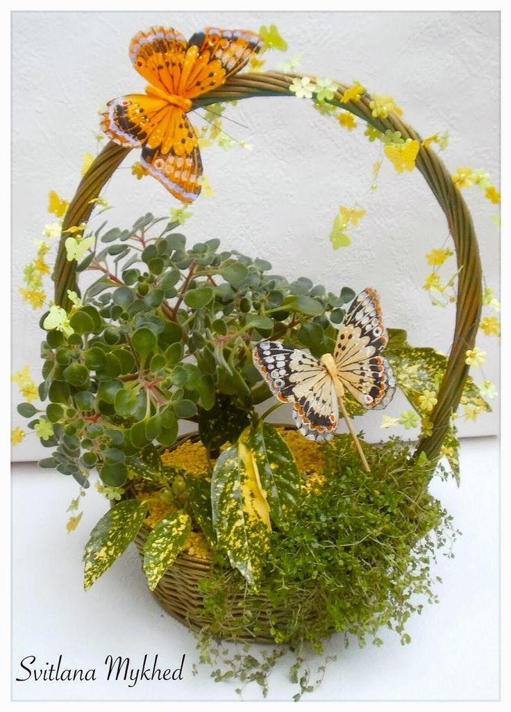 """Composition Florale (fleurs vivante) """"Papillons. Printemps. Soleil"""". Création unique. : Accessoires de maison par perles-et-couronnes"""