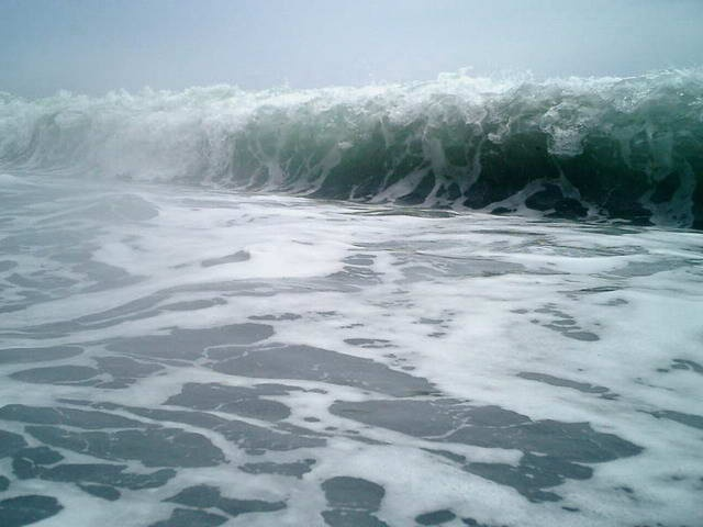 the sumatran tsunami of december 26 When the ocean started to return on december 26 it was in the form of the tsunami—a series of crashing waves in some places and a sudden flood hundreds of yards inland in others.
