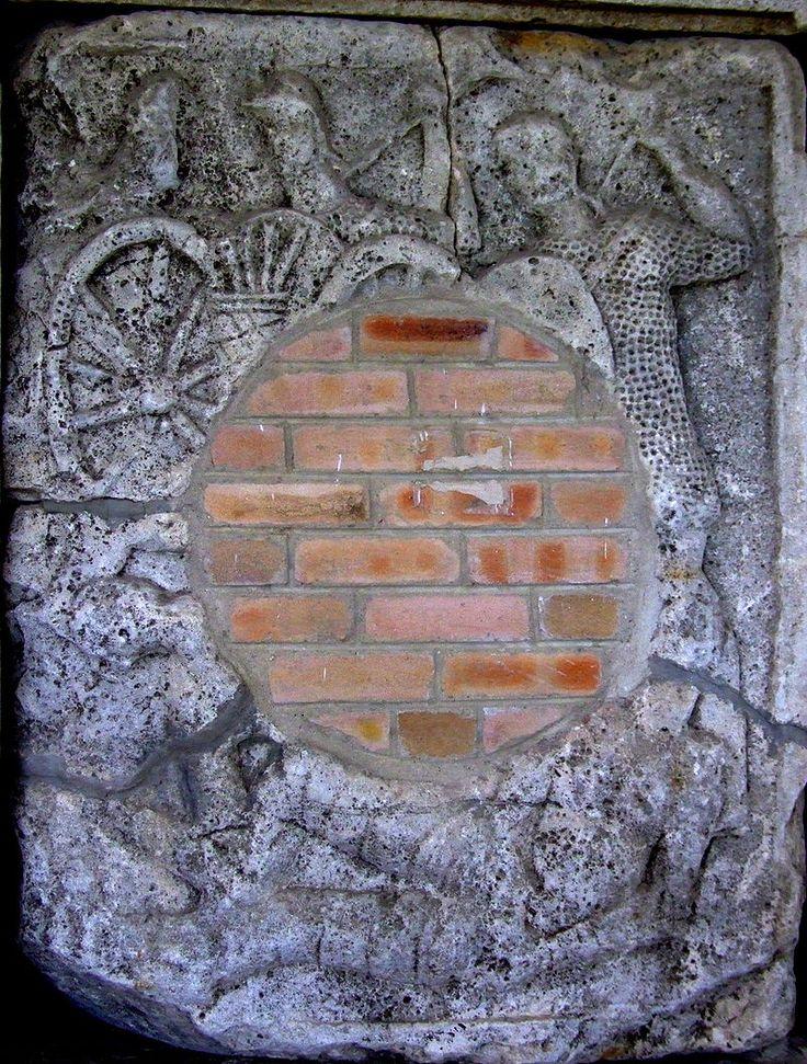 AdamclisiMetope15 - Tropaeum Traiani - Wikipedia