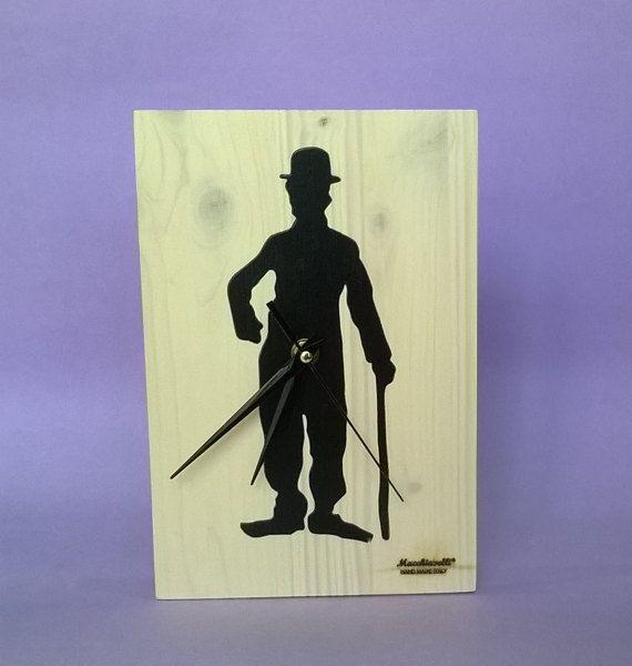 Charlie Chaplin orologio da parete in legno massello Charlie Chaplin (Cod. ORO008) by MacchiavelliArtLegno #italiasmartteam #etsy