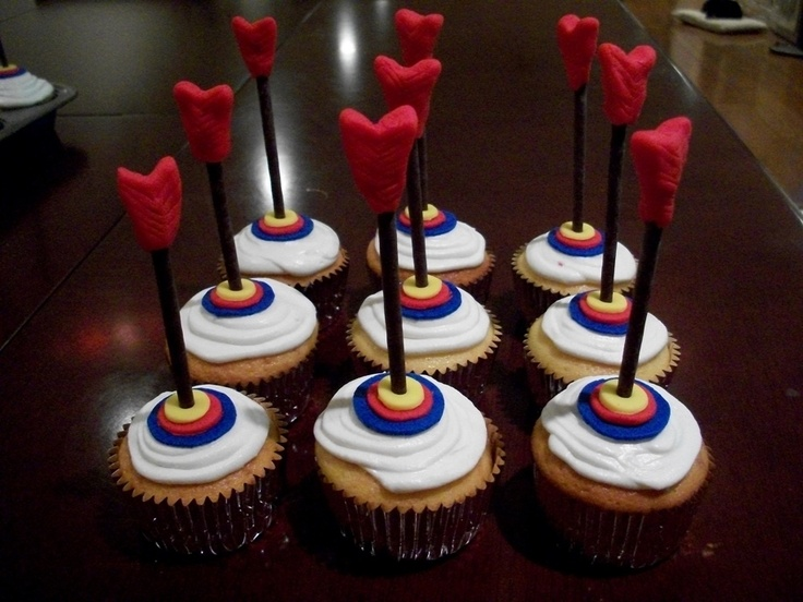 Dart Cupcakes: Adventure Parties, Cupcake Rosa-Choqu, Cakes Ideas, Birthday Parties, Arrows Cupcake, Cupcake Ideas, Parties Cupcake, Outdoor Adventure, Birthday Cakes