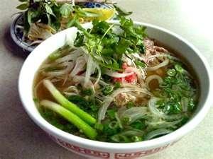 Vietnamese Chicken Pho Soup....: Brown Rice, Beef Noodles Soups, Vietnam Chicken, Soups Recipes, Vietnamese Noodles, Chicken Noodles Soups, Rice Noodles, Vietnam Pho Soups, Chicken Pho