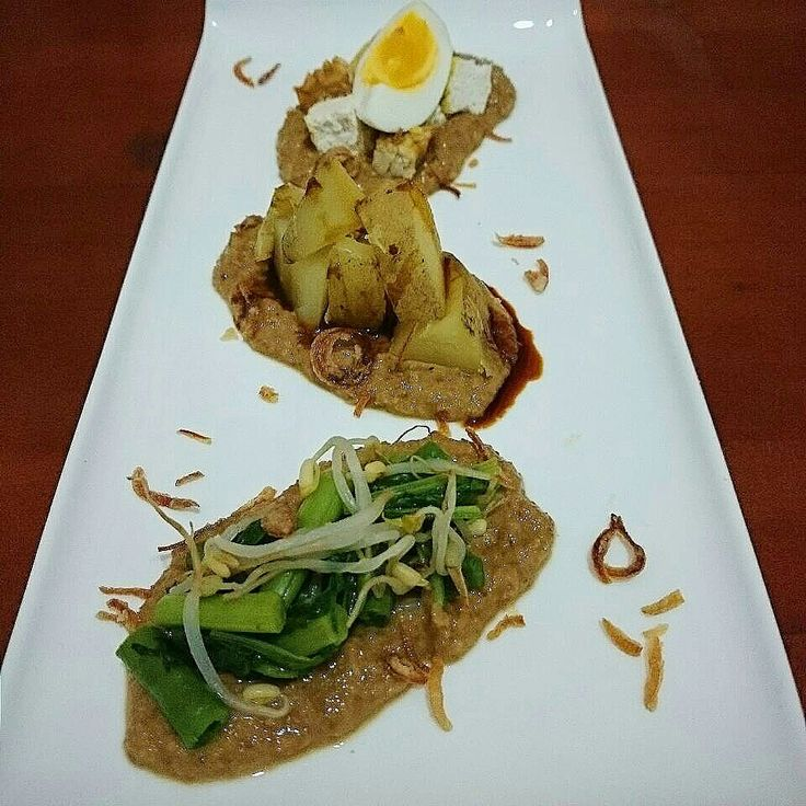 Gado gado Indonesian vegetables salad
