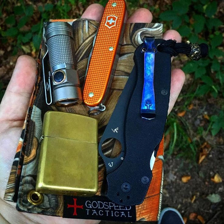Awesome EDC pocket dump from Patrick87.