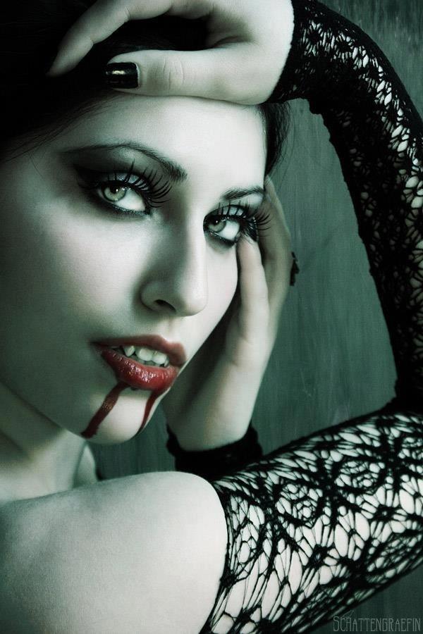 Вампир сексуальный фетиш гот готы интересно