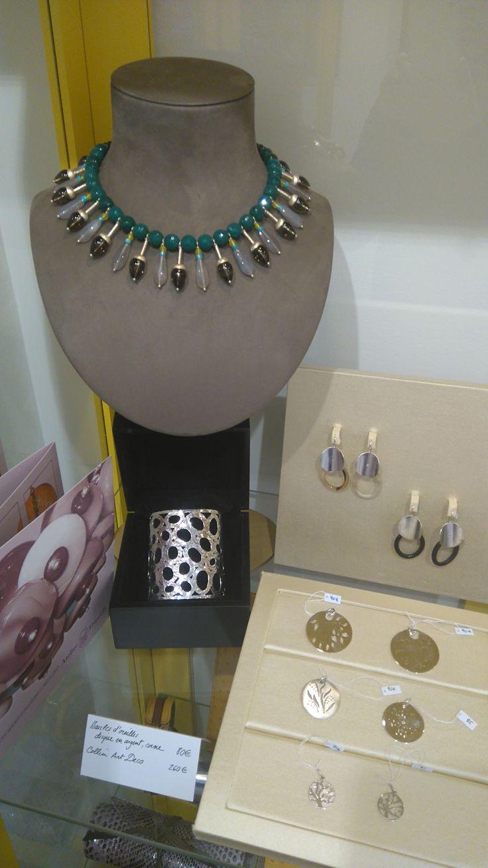 Joaillier : Francesco Truscelli chez Bianina atelier boutique - collier art deco, manchette en argent martelé, pendentifs arbre de vie en argent, boucles d'oreilles en argent et corne