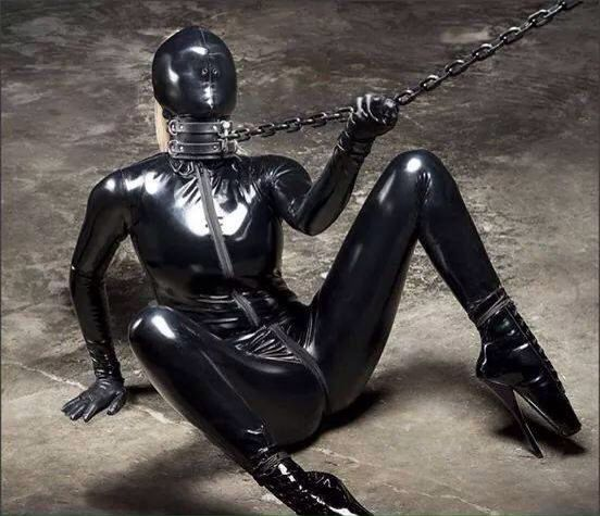 Latex Slave Is Bound