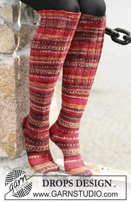 "DROPS 104-9 - Sileäneuleiset pitkät DROPS sukat ""Fabel""-langasta jossa joustimet. - Free pattern by DROPS Design"