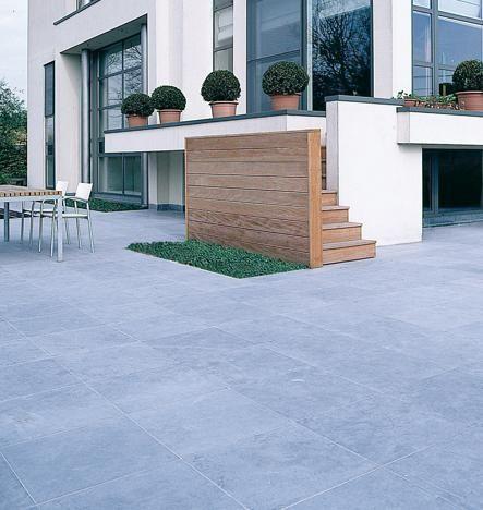 17 beste idee n over blauwe hardsteen terras op pinterest leistenen patio veranda aanbouw en - Buiten terrassen ...