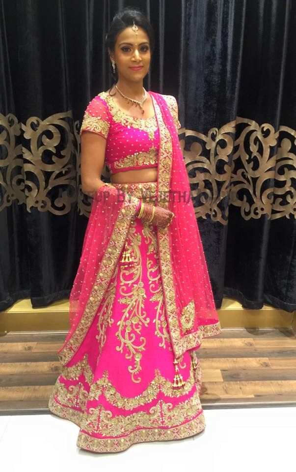 Indian bride wearing bridal lehenga and jewellery. Reception look. Makeup and hairstyle by Vejetha for Swank Studio. Find us https://www.facebook.com/SwankStudioBangalore