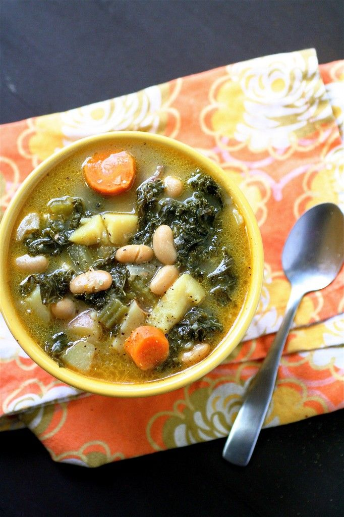 White Bean and Kale Soup | The Curvy Carrot White Bean and Kale Soup | Healthy and Indulgent Meals Dangling in Front of You
