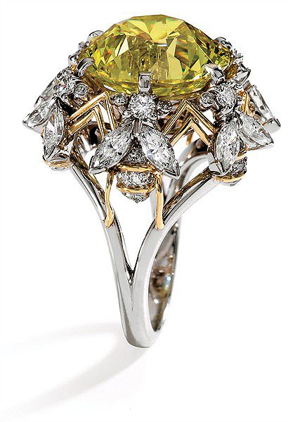 Bee-motif Yellow Diamond ring by Jean Schlumberger for Mrs. Paul Mellon