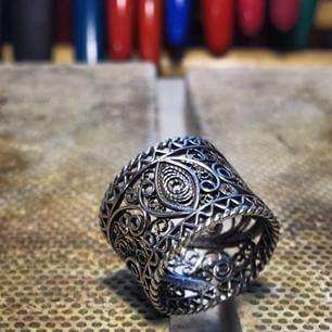 Instagram photo by silverfiligree - @elizabetakuder 's #filigreering #silverfiligree #filigrana #filigreejewelry #filigran #filigree #silver #onmybench #jewelersbench #jewelrybench #viewfomthebench #sharemacedonia #helloskopje #Skopje #Macedonia #minarbeidsbenk #Slovenia #lifeofajeweler