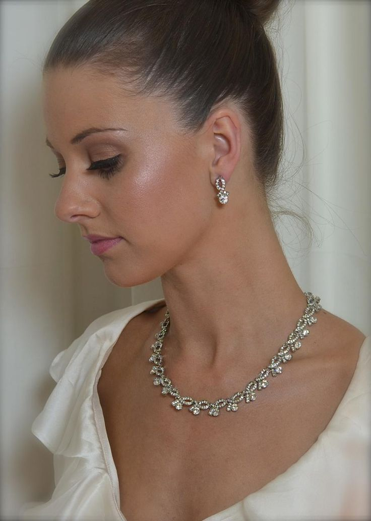 WS606 Necklace and earring set