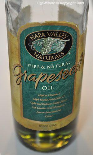 Studies suggest that Grape Seed Oil and its Extract constitute anti-inflammatory, anti-oxidant, anti-histamine, anti-aging, anti-allergic, antimicrobial, and adaptogenic activity. Therefore, it has been beneficial in the treatment of a number of health issues which include: arthritis, edema, dermatitis, acne, wrinkles, dry and itchy skin, age spots, sun burns, chapped lips, wounds, bruising, stretch marks, varicose veins, hemorrhoids, chronic venous insufficiency, premature aging…