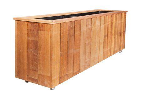 Prachtige bloembak van red cedar hout. Zal fantastisch bij u staan! Kom direct kijken in onze webshop www.Stoereplanken.nl voor nog veel meer stoere meubels en andere houten tuinmeubelen.
