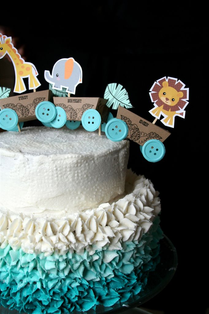 25+ best ideas about One year birthday cake on Pinterest .