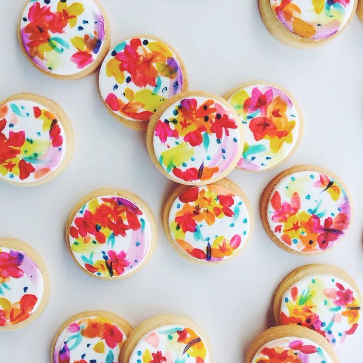 http://www.lenzo.com.au/wp-content/uploads/2015/02/Bright-Bloom-Cookies_Treats-for-Evie.jpg