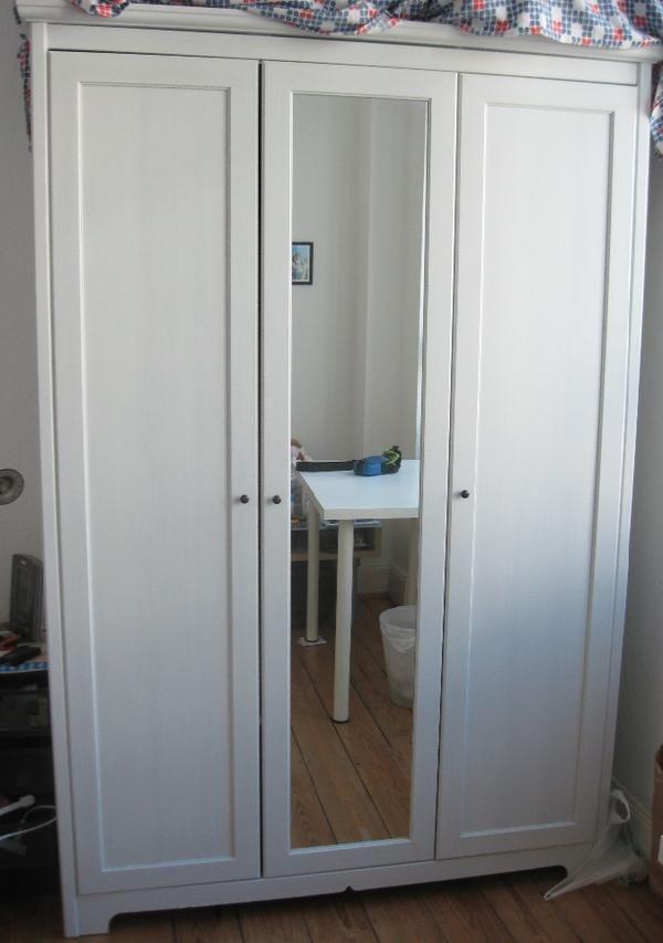 Tolle 3 Turiger Kleiderschrank Mit Spiegel Ikea Schrank Ikea