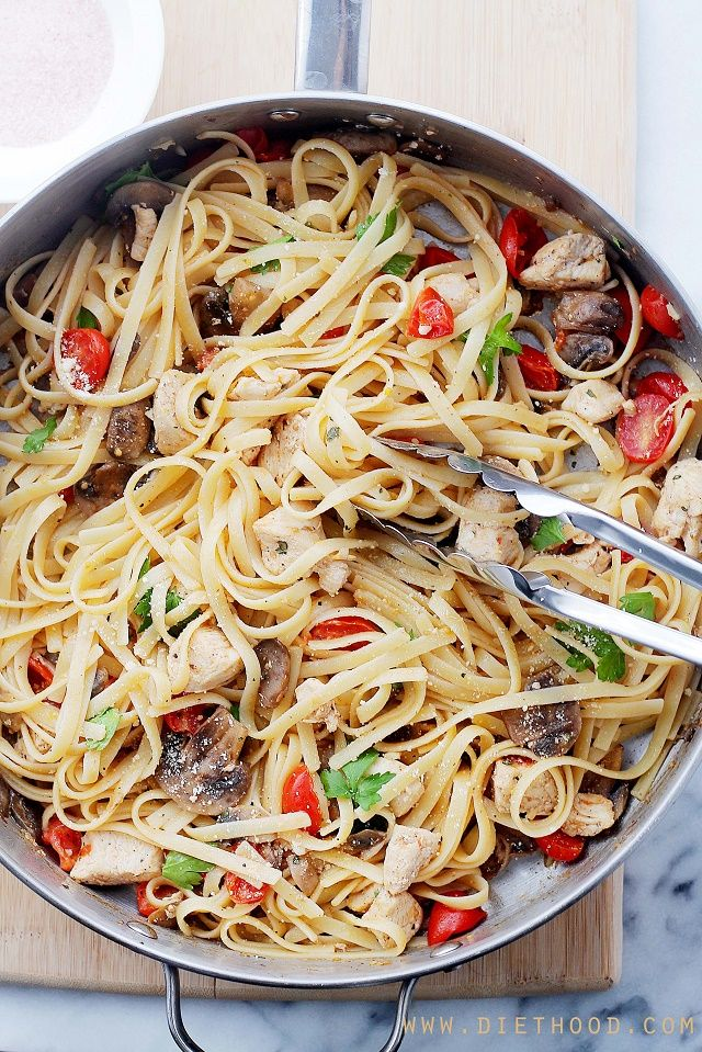 Lemon Chicken Fettuccine | www.diethood.com | One-pan Lemon Chicken Fettuccine is a fresh and easy take on dinner, tossed with tomatoes, mushrooms, lemon juice and olive oil. | #chicken #pasta #recipe
