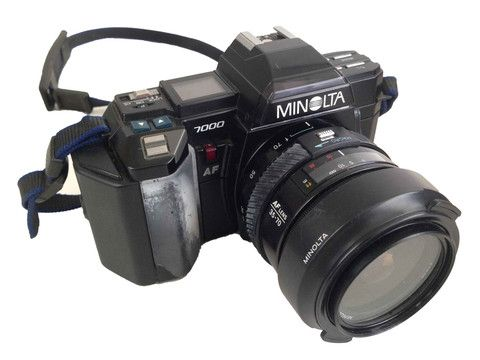 Minolta 7000 With Carry Case – Junkie Charity Store