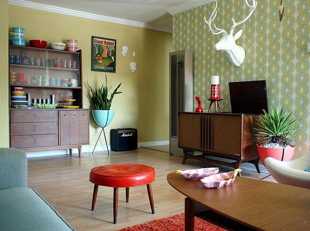 Mid Century: Mid Century Modern, Modern Living Rooms, Colors Schemes, Apartment Living, Midcentury, Vintage Living, Modern Home, White Deer Head, Stools