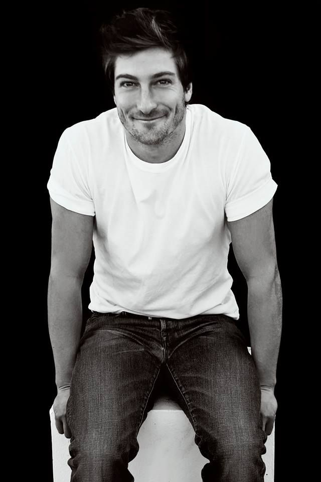 Daniel Lissing. Come on. Honestly I can't take it.