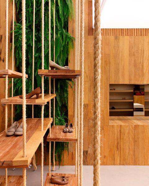 Queen Shoes Comfort Store | CoolBoom