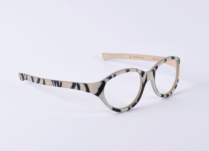 W-eye_model 201- Design: Matteo Ragni - Wood:  Kenya
