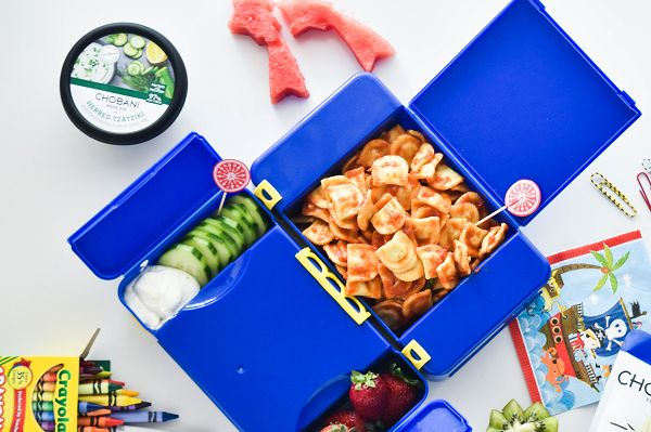 Back to School Lunch Box Tip! Make snack-inspired lunches. Kids LOVE finger food. It's easy for them to eat, and they can pick and choose what they want when they want it! Angelo's Pasta has created a list of tips and tricks to help you pack a healthy and yummy lunch box for your child.