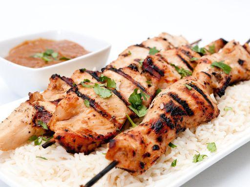 Brochettes de poulet à la libanaise : Recette de Brochettes de poulet à la libanaise - Marmiton