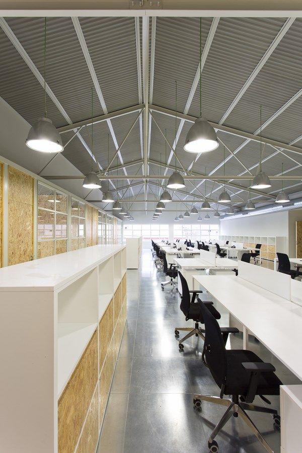 Oficines de Cacaolat - Santa Coloma de Gramenet, Barcelona - Pilar Líbano i Jaume Pons Arquitectura
