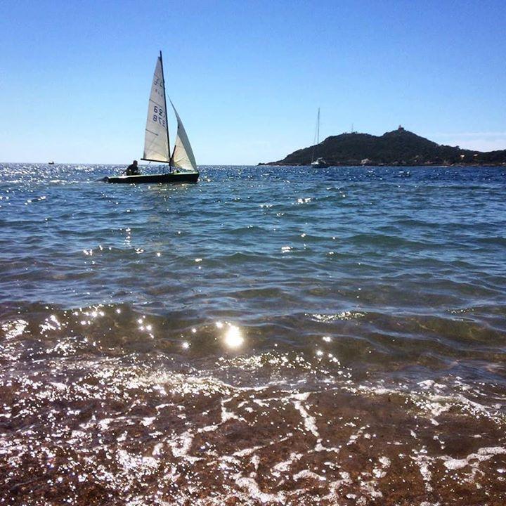 Cap vers la détente et les promos de mai. #bateau #boat #boot #barca #mer #sea #meer #mare #sailing #velo #yacht #ship #destination #nature #mediteranee #agay #var #voile #travel #traveling #vacation #visiting #trip http://ift.tt/2pqiVsH