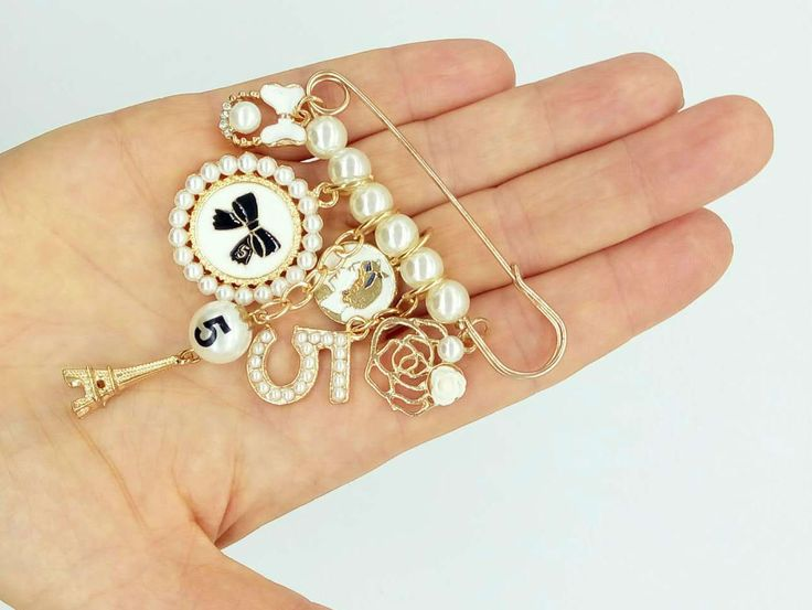 Lapel Brooch & Pins Charm Camellia Medallion Bow Pearl Birthday Gift Ideas Stylish  Fashion Brooch Charm Alloy, Jewelry, Unusual Brooch Camellia Business Style Casual Boho Chic Women Accessories Wedding Gift For Her.