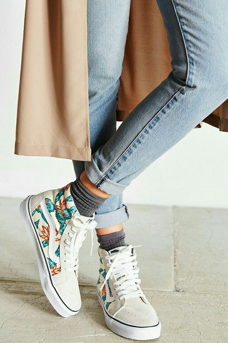 2019 year for girls- How to frilly wear socks with vans