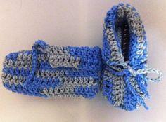 Belajar membuat sepatu / kaos kaki bayi dengan rajutan crochet
