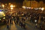 Mii de timișoreni, în Piața Victoriei, pentru democrație și dreptul Diasporei de a vota GALERIE FOTO