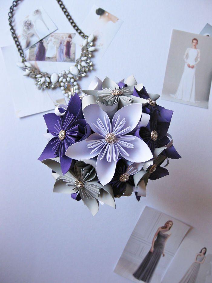 Violeta, blanco y gris