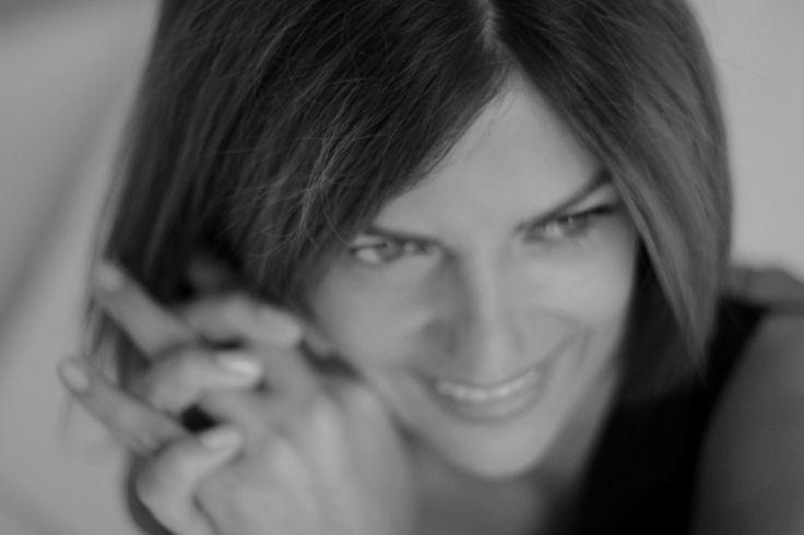 """Alisa Kovtunova : """"Моя философия умещается в одно слово- уважение. Это и уважение к предметам роскоши, которыми оперируешь и уважение к технике, позволяющей тебе достичь наиболее лучшего результата. И прежде всего, это уважение к людям, для которых ты создаешь."""" #artburo #alisakovtunova #interview #artburoalisakovtunova #exceptionalpiece #luxury #oneofakind #cartier #personalization #customization #hermes #chanel #dior #louisvuitton #артбюро #алисаковтунова #интервью #креативныйдиректор"""