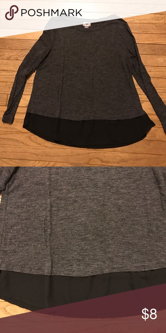 Old Navy Long Sleeve Top Dark gray long sleeve top from Old Navy. Bottom hem line has a black fabric underneath. In great condition and from a smoke free home. Old Navy Tops Tees - Long Sleeve