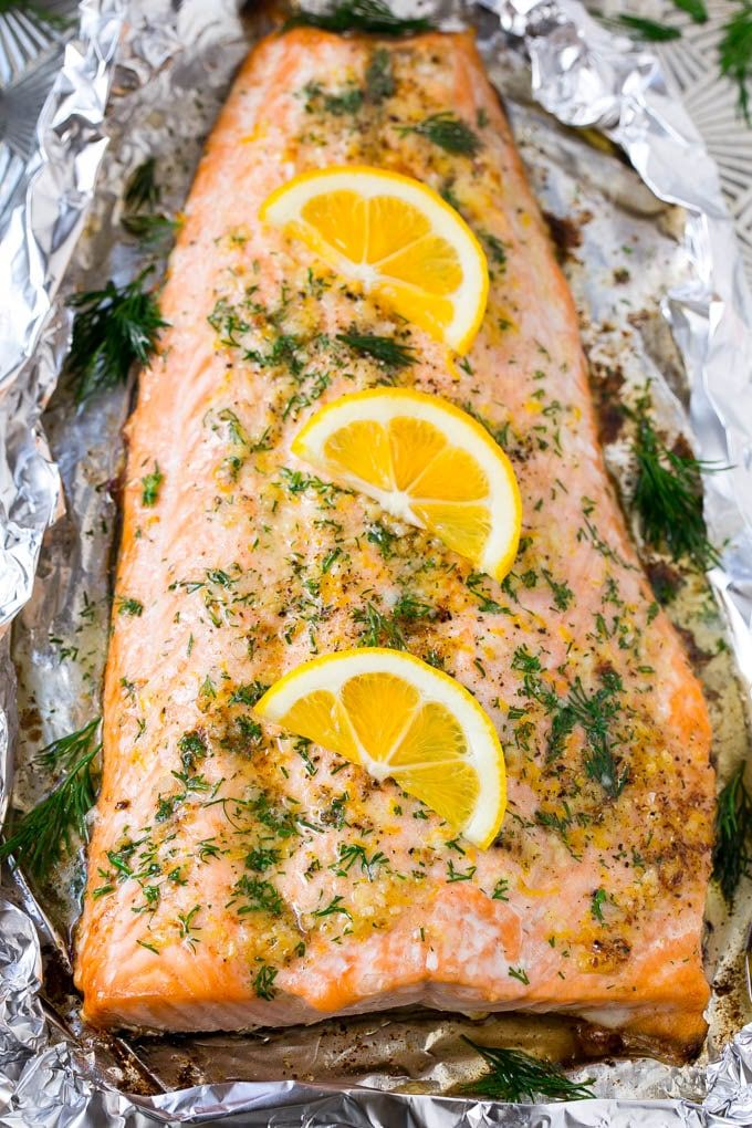 This recipe for salmon in foil with lemon, garlic and dill is the easiest and most delicious way to eat fish!