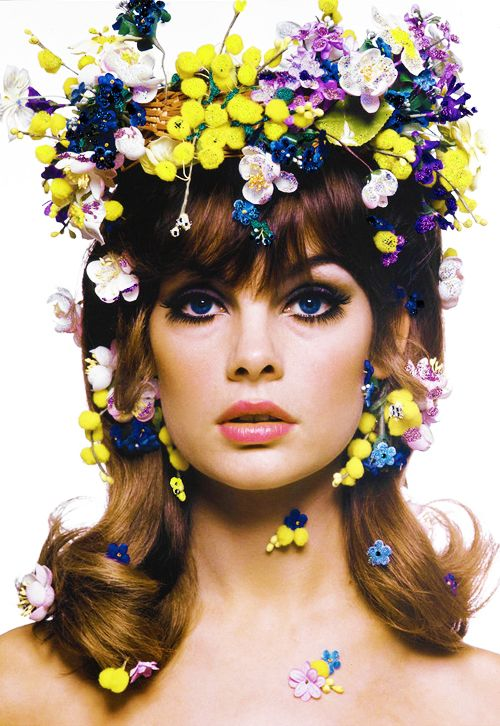 Bizzy has this photo by Bert Stern of Jean Shrimpton, 1963 in her sitting room. BB says JS was an inspiration........
