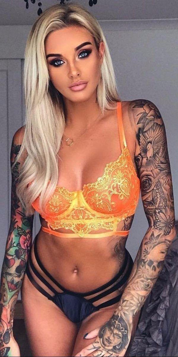 hot-petite-tattooed-nude-upskirts