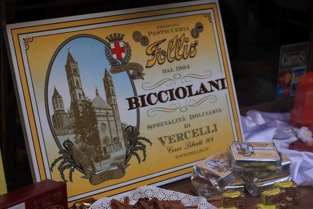 #bicciolani The Travel Eater: a legendary patisserie in #Vercelli since 1904: #Follis
