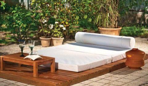Cojines, colchonetas y tapicerías para una terraza a medida