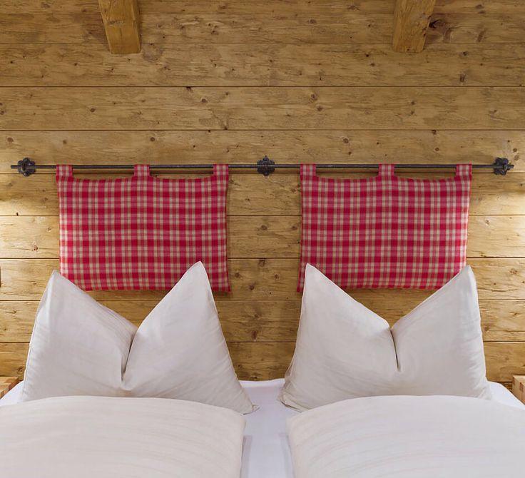 Schlafzimmer aus Zirbenholz // Beds made of pine