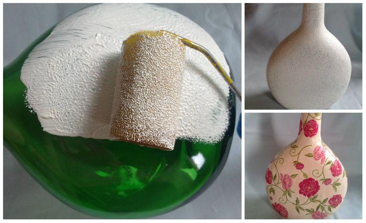 Com as técnicas de pintura e decoupage, garrafas de vidro podem virar peças para decoração com diferentes c...
