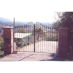 Wrought Iron Driveway Gate. Customize Realisations. 056