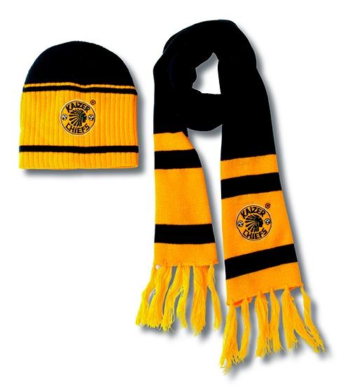 Kaizer Chiefs beanie scarf set